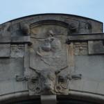 Warszawska syrenka wskazuje, że to hala miejska