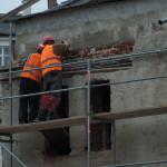 Powolne pracy przy prawej oficynie bramnej Hali Targowej na Koszykach w Warszawie