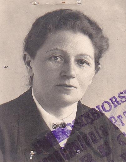 Anna Miąsek (1904 - 1992), wieloletnia kioskarka w przedsiębiorstwie Ruch, w Milanówku