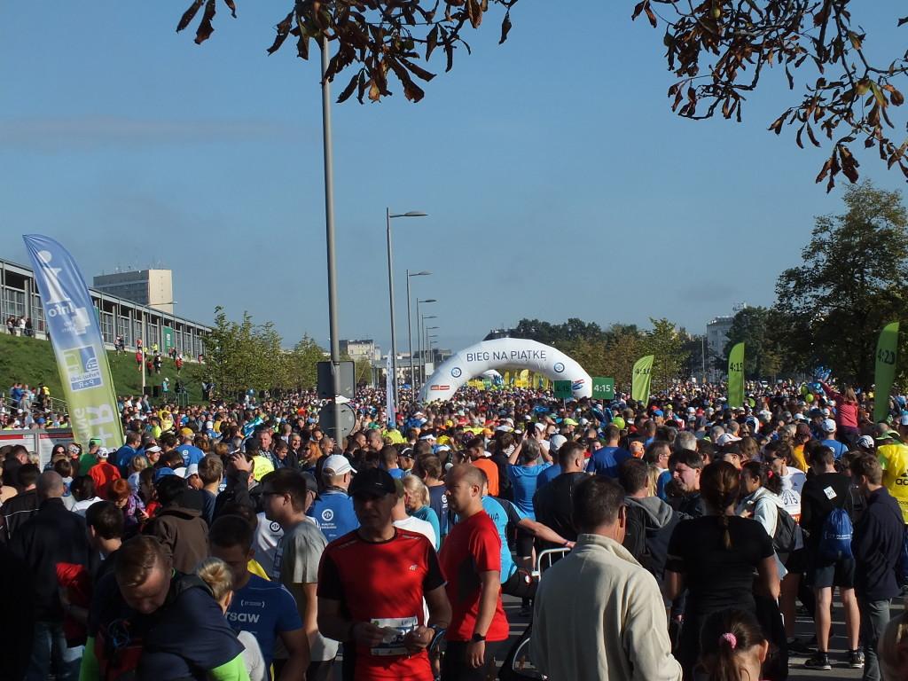 W 37. PZU Maratonie Warszawskim pobiegło około osiem tysięcy uczestników.