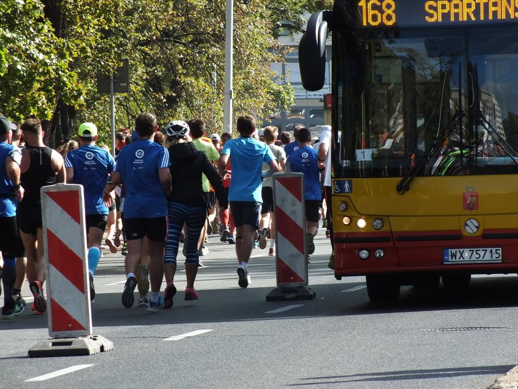 37. PZU Maraton Warszawski. Przez cały dzień mieszkańcy i goście Warszawy musieli liczyć  się z utrudnieniami w komunikacji.