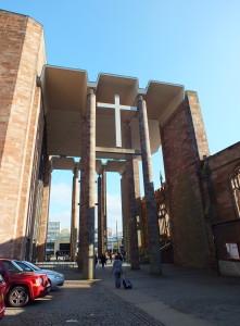 Nową katedrę przylegającą do starej , zburzonej w 1940 wybudowano w połowie XX wieku.