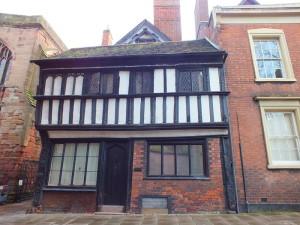 Dom z początku XVI wieku Bayley Lane od frontu.