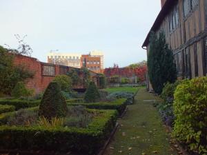 Wdowi ogród w Fords Hospital w Covetrz