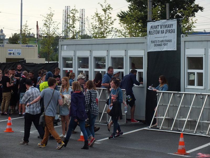 Open'er Festival 2016 w Gdyni. Punkt wymiany biletów na opaski