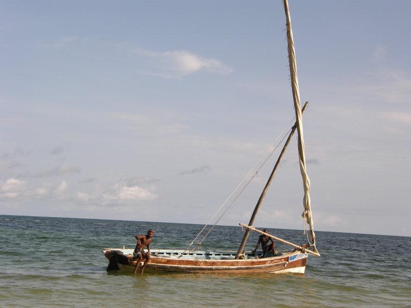 Rybacy czekają na przypływ Oceanu Indyjskiego