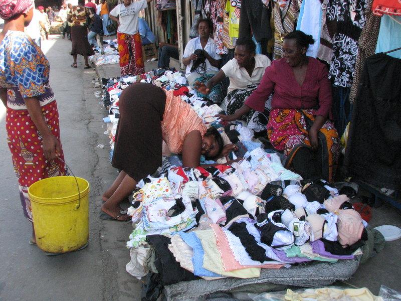 Uliczny handel w Mombasie