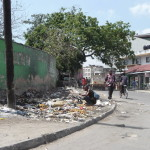 Śmieci to bolączka Afryki. Tu góry śmieci na ulicy w Mombasie